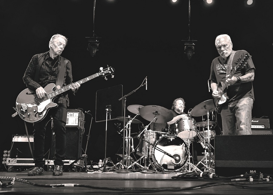 Hot Tuna Mesmerizes on Stage at SPAC