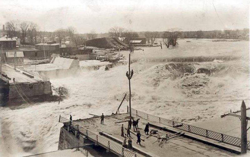 1913 Flood takes out bridge at South Glens Falls (Chapman Museum). Photo provided by The Saratoga County History Roundtable.